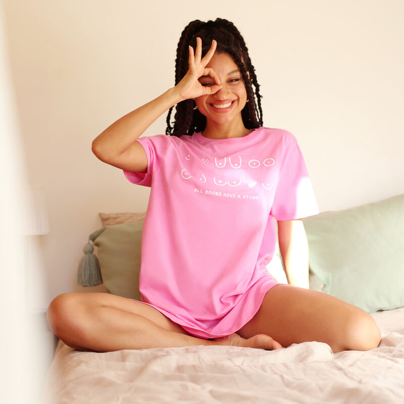camiseta larga estampado all boobs - rosa;