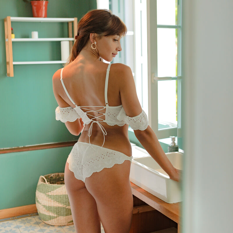 Braguita bordada - blanca;