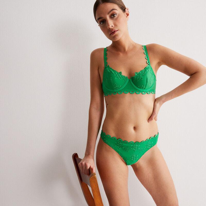 Braguita brasileña de tul y bordado de flores - verde;