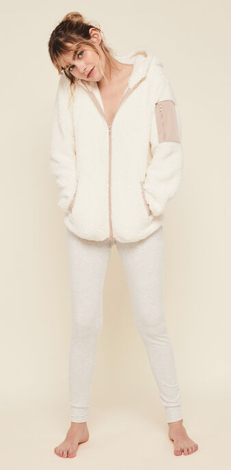 Chaqueta polar con capucha borgiz blanco roto.