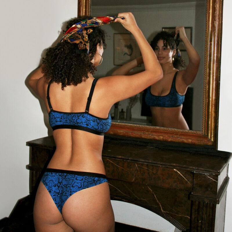 Braguita brasileña con estampado de pitón - negra;
