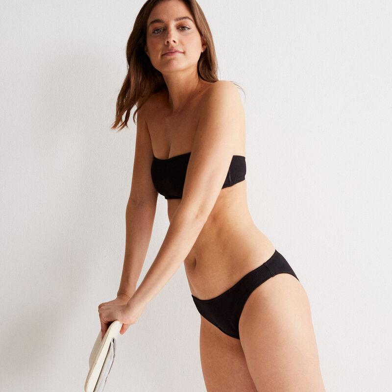 Parte de arriba de bikini bandeau gofrada - negra;