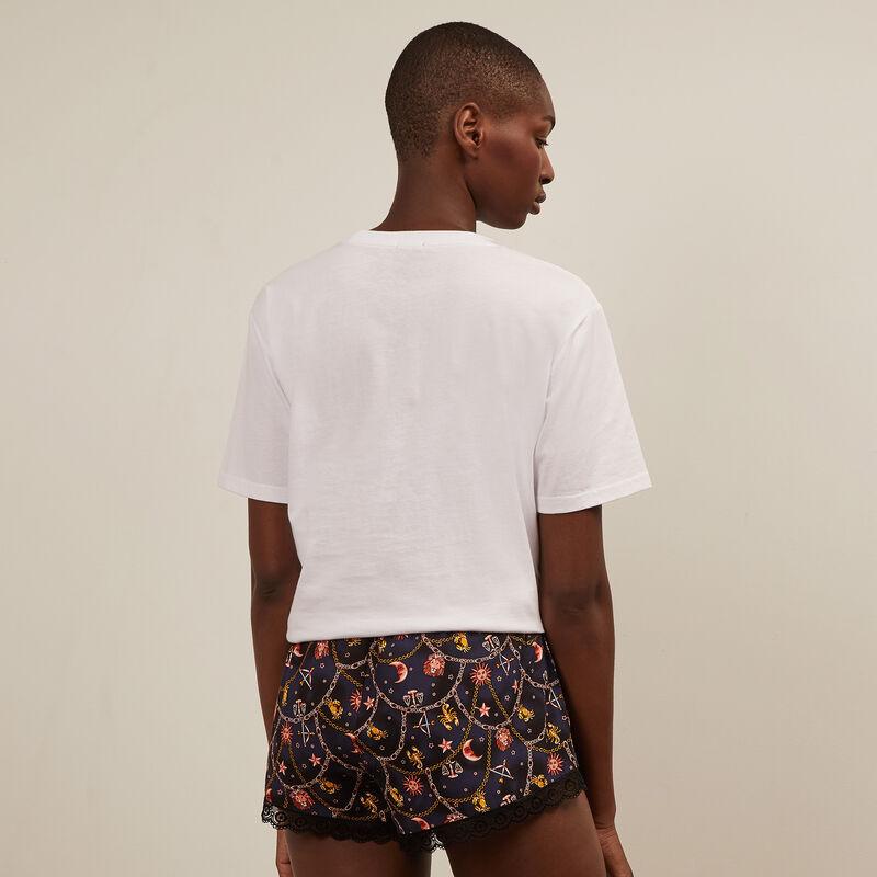 Shorts con estampado de astros - negro;