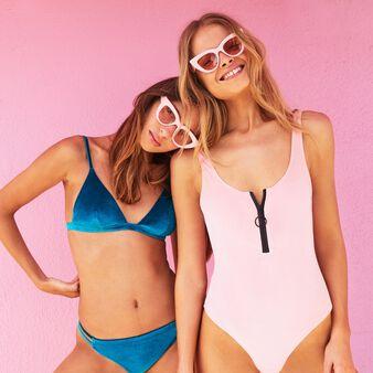 Top de bikini triangular azul newvelvetiz blue.