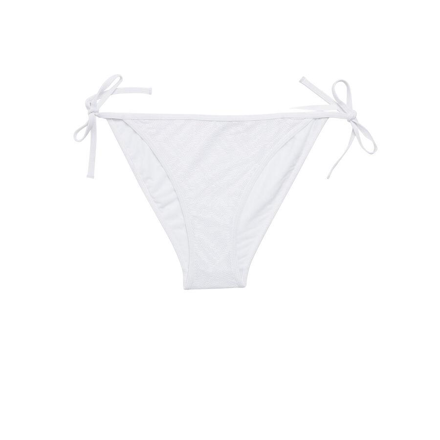 Parte de abajo de bikini blanco roto crochiz;