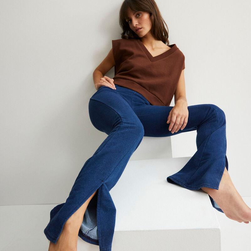 pantalón flare con abertura - azul;