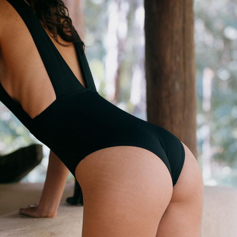 Bañador de una pieza con escote pronunciado - negro;