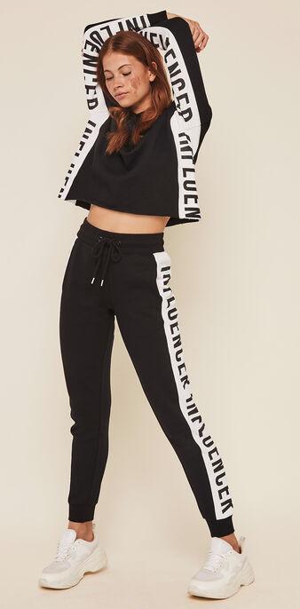 Pantalóm con bandas laterales hellovibiz negro.