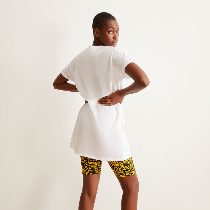 Camiseta larga con estampado de Eleven Stranger Things - blanca;