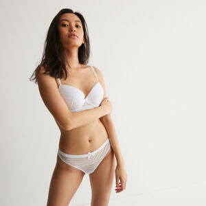 Braguita tanga de encaje con detalle de nudo - blanca
