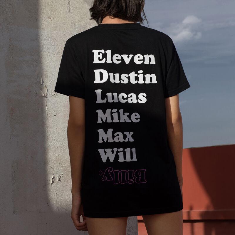 Camiseta larga con estampado de Stranger Things - negra;