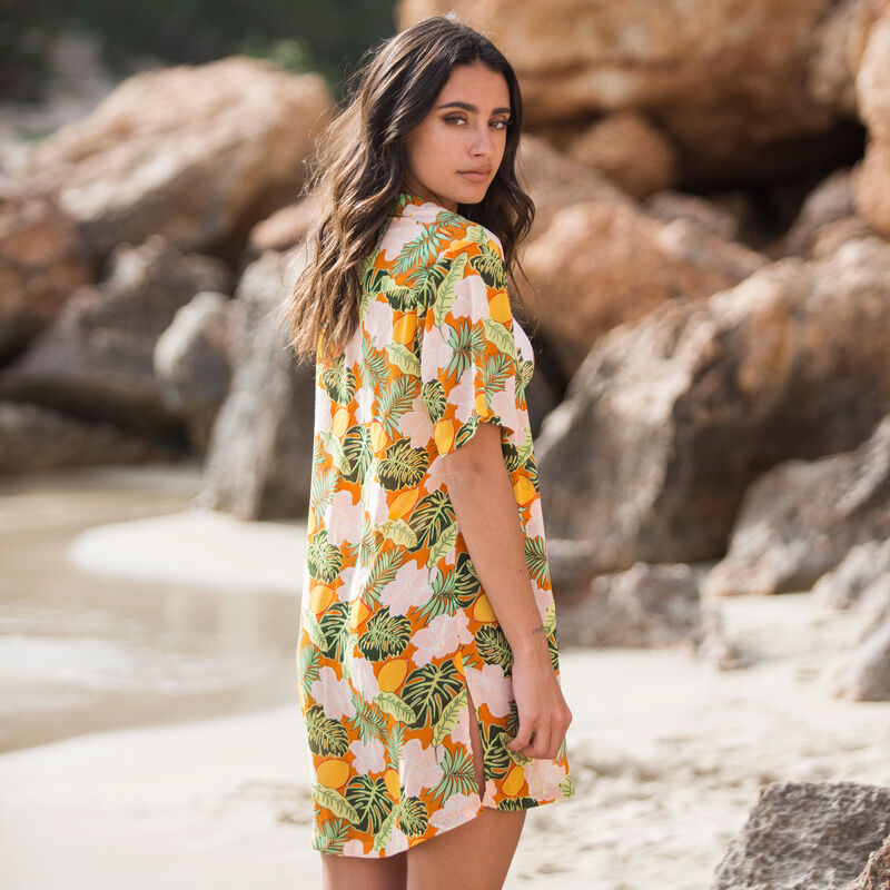 camisa de playa con estampado tropical - naranja;