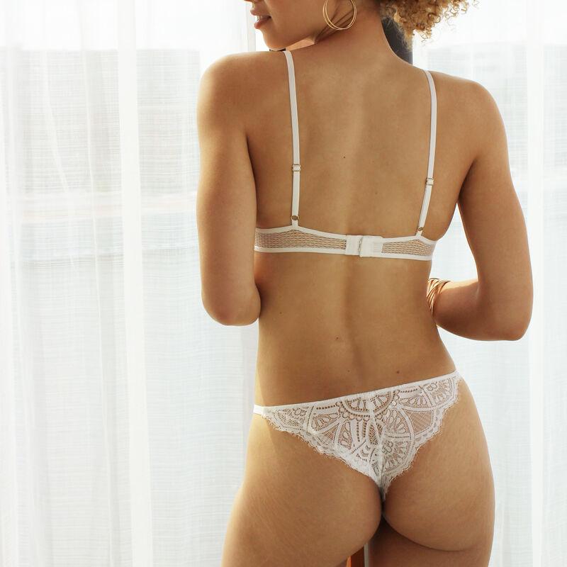 Braguita brasileña de tul - blanca;