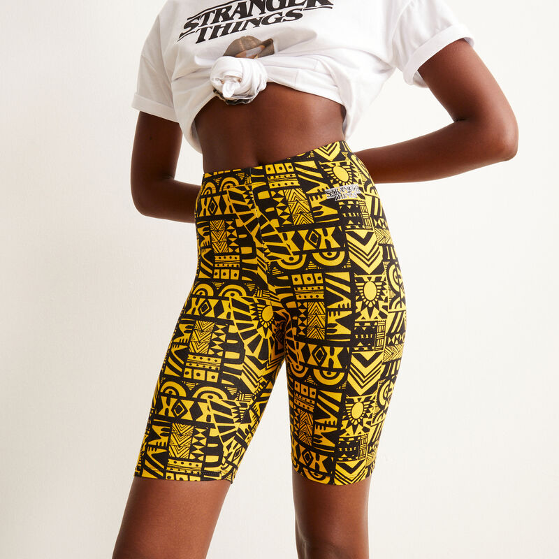 pantalón ciclista con motivos Stranger things - amarillo;
