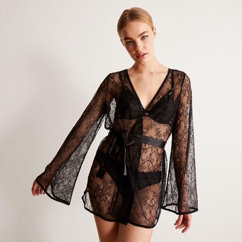 Kimono de encaje calado con detalle de corazón - negro;